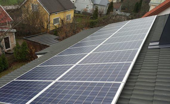 Omakotitalon 5.2 kWp aurinkopaneelit