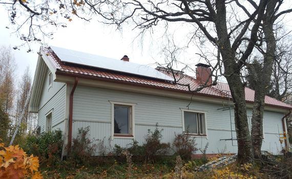 3.6 kWp aurinkopaneelit omakotitalo