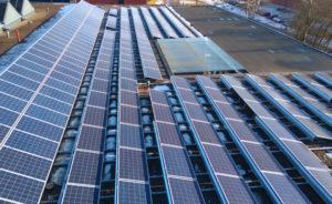 Aurinkovoimala tasakatto