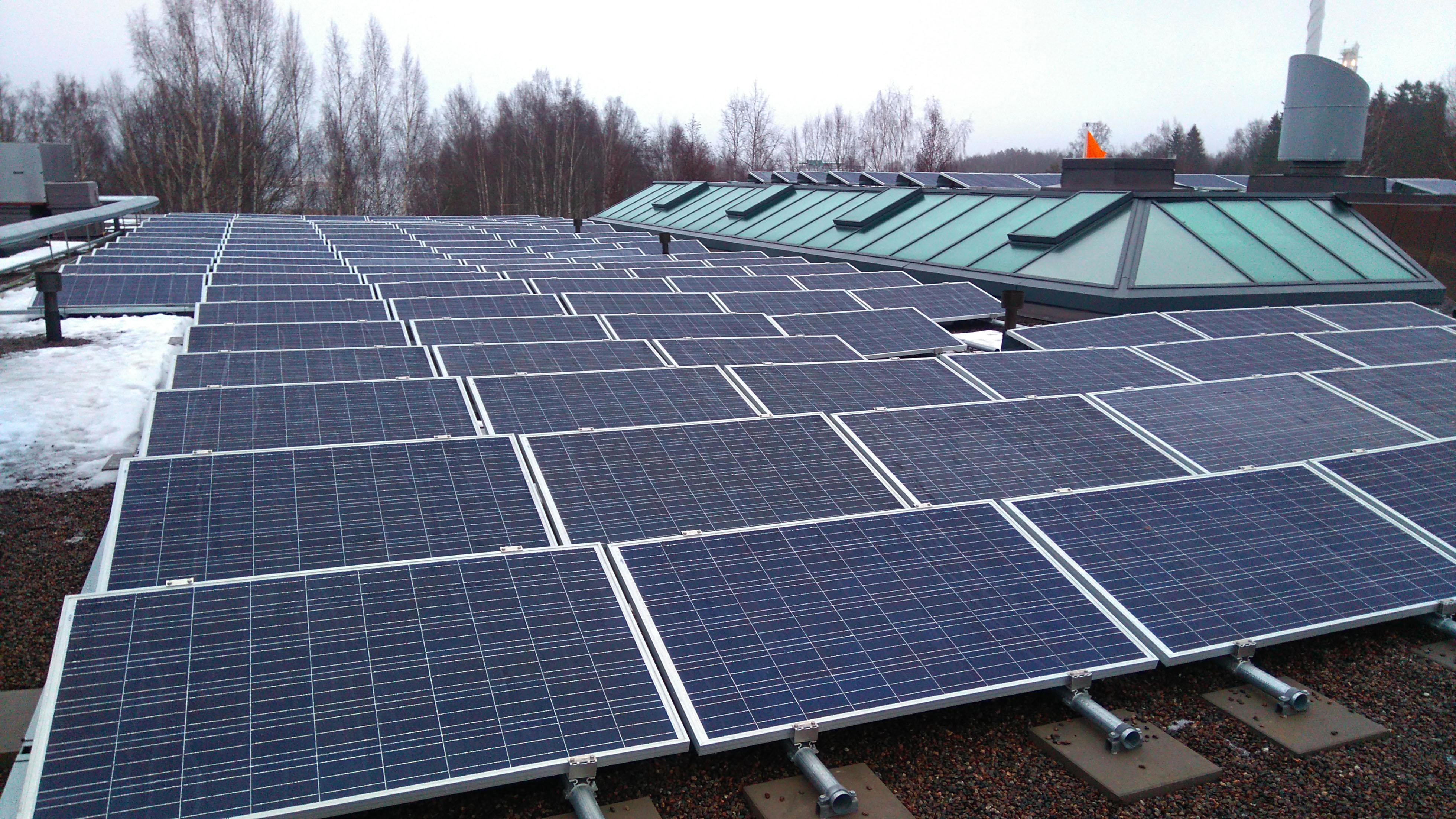 Aurinkopaneeli | Referenssit | Energiaomavaraisuus | Finnwind